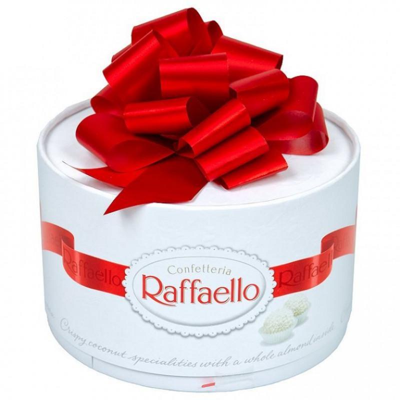 Конфеты Raffaello с цельным миндальным орехом, 100гр